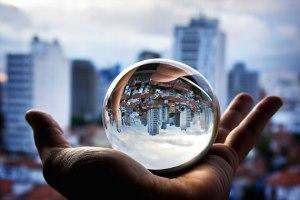 (圖片來淡:http://www.wakingtimes.com/2015/01/24/5-things-prove-live-upside-world/)